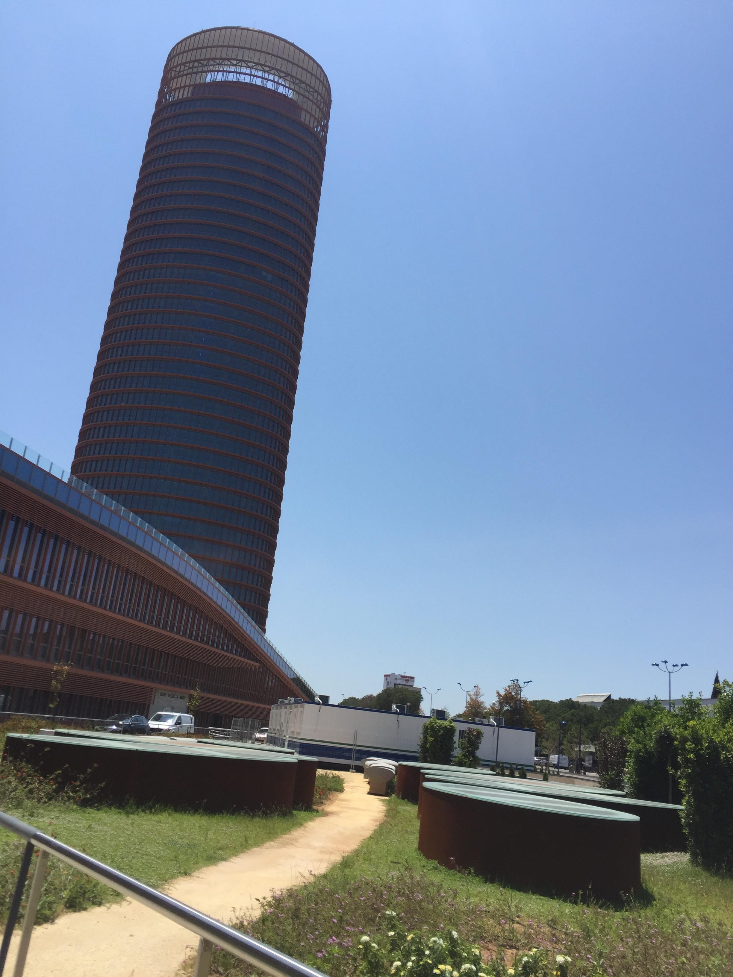 Montajes modulares remodelaci n torre pelli isla cartuja - Isla de la cartuja ...